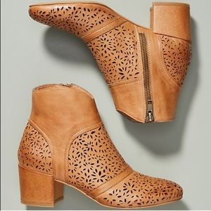 Anthropologie Silent D Pearsy Perforate Ankle Boot